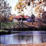Pavillion in Fall. Bellevue Park in Belleville IL